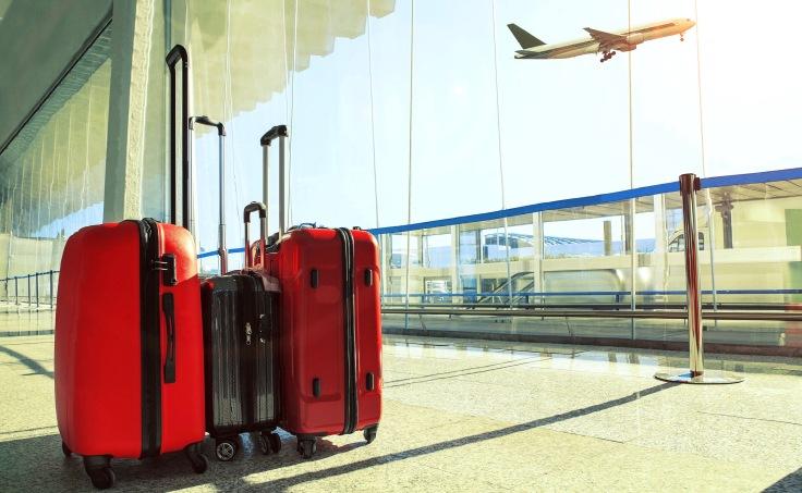 LuggageAtAirport-stockphoto-mania-shutterstockHERO1